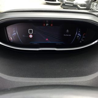 Peugeot 3008 SUV 1.6BlueHDI