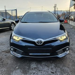 Toyota Auris 1.6 D4D - TOP LUXURY